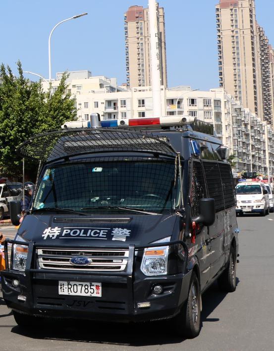 广西首台5G巡逻警车投入使用