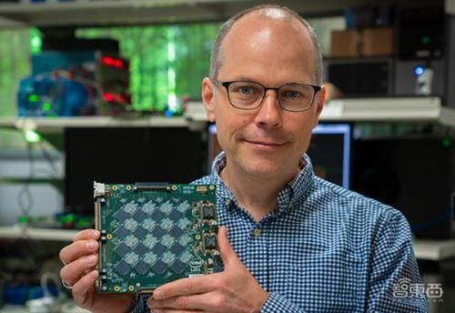 英特尔发布AI芯片系统 比CPU快1000倍 主要应用智能家居